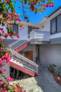 "Photo for ""Lucent Pearl"" Stunning, Secluded 3 Bed 3 Bath Luxury Alcove (with AC!) Steps To Sand"