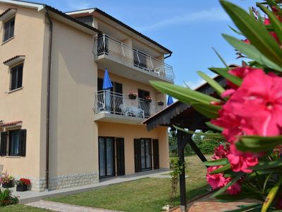 Photo for Apartment 1.4 km from the center of Fažana with Internet, Air conditioning, Parking, Garden (689884)