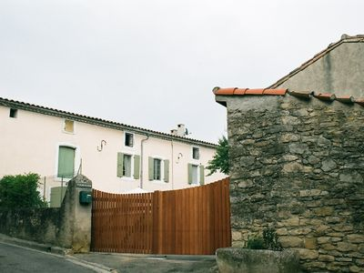 Carlipa house rental - Courtyard with secure gates across the entrance