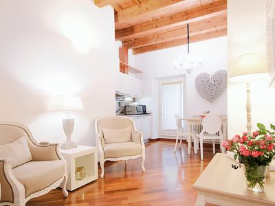 Photo for ☆Charming Apartment☆ downtown Arena+parking