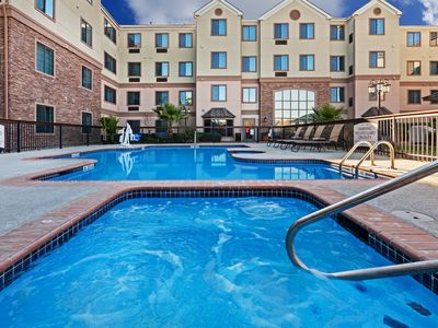 Photo for Equipped Studio Near Six Flags! Outdoor Pool + Free Breakfast!
