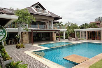 Photo for 5BR Villa Vacation Rental in Ban Laem,