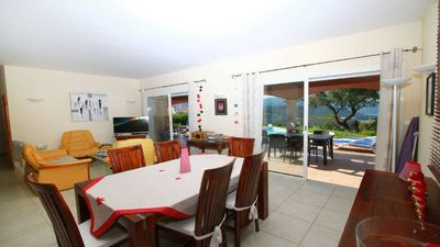 Photo for Villa 6pers. with private pool, air conditioning, wifi, 800m from the beach, near Ajaccio