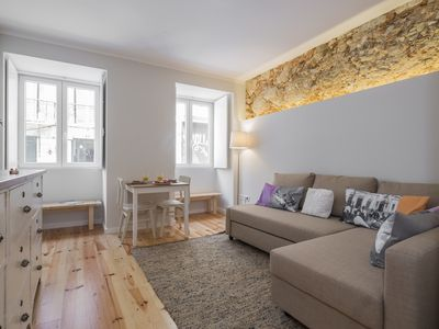 Photo for A cozy apartment with a small terrace in the typical and quiet neighborhood of Santos.