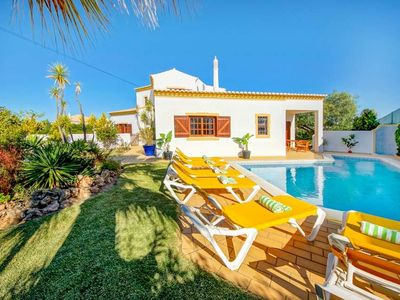 Photo for 4 bedroom Villa, sleeps 8 in Salgados with Pool, Air Con and WiFi