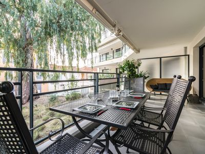 Photo for Appartement Geneva / Air-con with terrace 300m from the Port