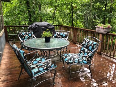 HAPPY PLACE!!  Nice DECK- GAS GRILL, Table & Chairs- GREAT for COZY EVENINGS!