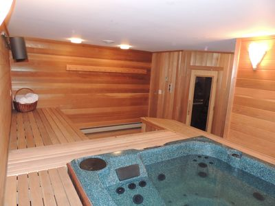 Photo for Mt. Snow Paradise - Indoor Jacuzzi & Sauna - Minutes to Mountain - Sleeps 10-12