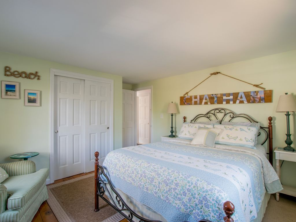 #613: Bright, Comfortable & A/C, close to Hardings & Ridgevale Beach!