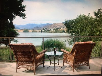 Beautiful home on the lake!  Enjoy Roses Lake in Manson, minutes from Lk Chelan!