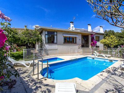 Photo for Catalunya Casas: Marvelous Villa Cambrils, only 2 km from the beach!
