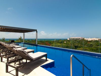 Photo for Luxe Oasis | Rooftop Infinity Pool | Terrace