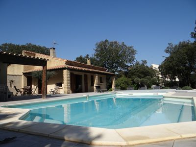 Photo for Villa (6-8 pers.) With private heated pool, garden, near Uzes.