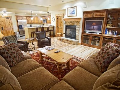 **Lift Ticket Discounts** Ultimate Resort Location, Hot Tubs and Pools  (202803)