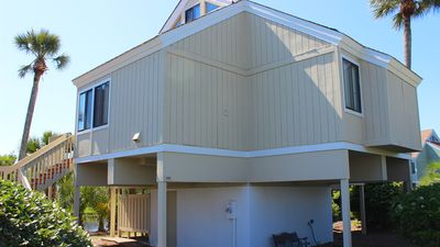 Welcome to 939 Sealoft - Great location, recently updated, lagoon views!