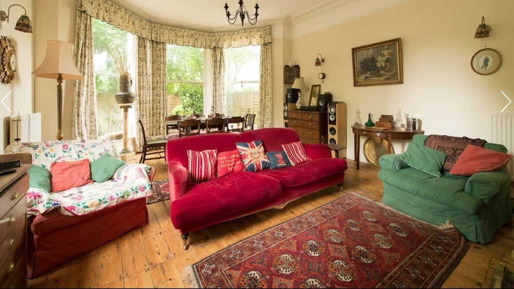 Cheltenham House Rental   Elegant Regency And Art Deco Furnishings