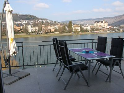 Photo for Apartment with fantastic views of the river and vineyards