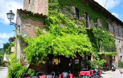 Photo for Antico Borgo Agriturismo Lake Trasimeno Tuscany Umbria B