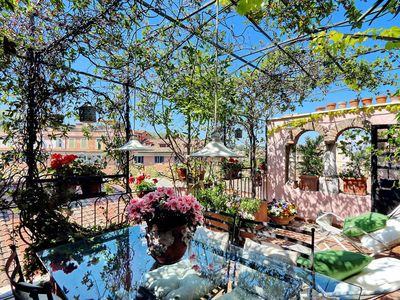 Photo for Trastevere large apartment with terrace