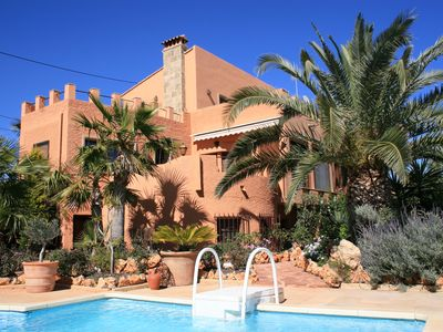 Photo for Villa with excellent sea views, pool and private parking