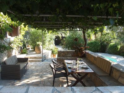 Lower shaded dining terrace