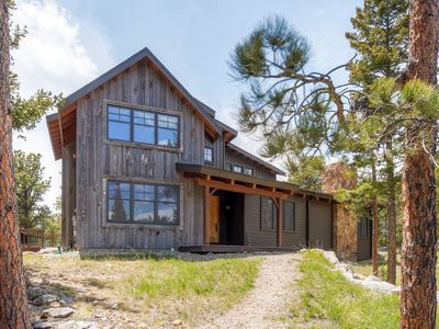 Photo for Mountain Retreat Home On 40 Private Acres - Adjacent  RMNP