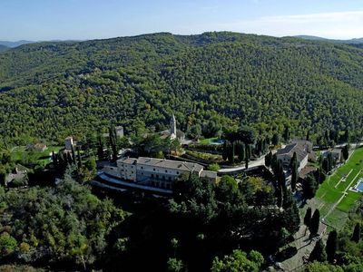 Photo for Large 2 bedroom apartment in Tuscany with pool