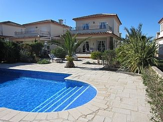 Photo for Comfortable Villa with Private Pool, Views To 3rd Fairway & Orange Groves