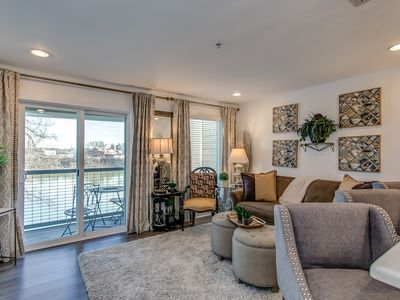 Photo for Riverfront/Walk 2 Downtown/Broadway! Free covered parking/Huge Pool/fitness room