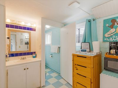 Photo for Criss Cross Condo - Located in Between the Beach & Town!