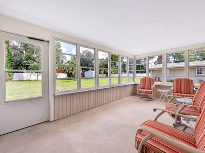 Photo for Newly updated bungalow w/ large yard only blocks to the beach!
