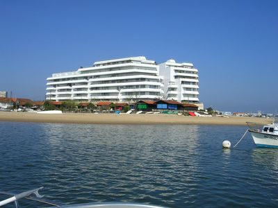 Photo for T2 res upscale 4 *, terrace SO view basin, secure parking, wifi, beach