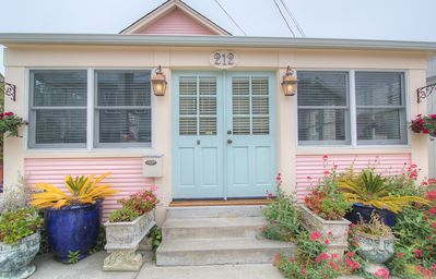 Capitola 'Rose Cottage' in the Heart of Capitola Village