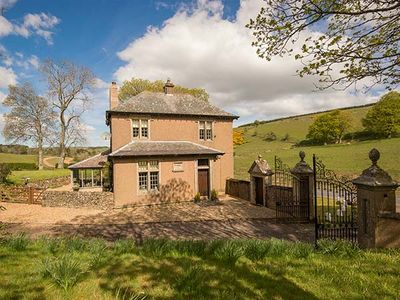 Photo for WHITCHESTER GAMEKEEPER LODGE, pet friendly in Duns, Ref 946704