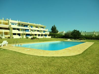 Photo for Apartment with pool, air conditioning and internet in Vilamoura