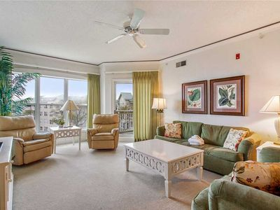 Photo for Beautifully appointed, 5th floor Hampton Place!