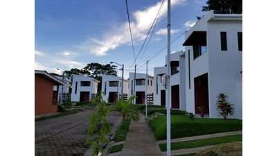 Photo for NEW, Modern & Secure Townhouse in Managua