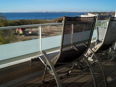 Photo for 2 bedroom apartment for up to 4 people in an exclusive location with sea views.