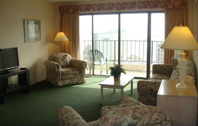 Photo for (Resort Condo) Spring Break at Myrtle Beach Condo, sleeps 6, March 7-14