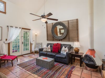 Photo for Cute Fredericksburg cottage retreat right in the middle of the historic district