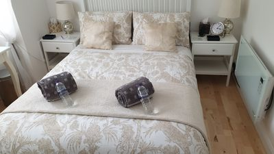 Photo for London, Richmond, 2 bedroom newly renovated, fully equpped apartment