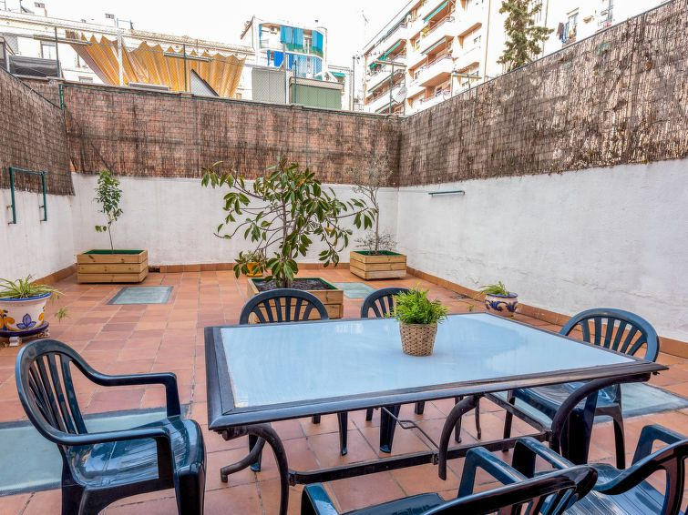 Appartement eixample dret val ncia padilla barcelone for Appart hotel 5 personnes barcelone