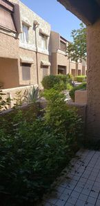 Photo for One bedroom immaculate condo in Paradise Valley area near restaurants and mall.