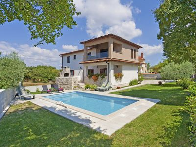 Photo for Villa Tina * 1900 m2 garden, private pool, terrace with BBQ, WiFi