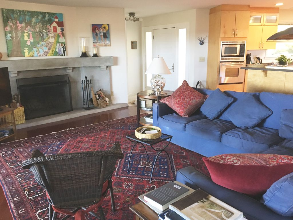 Deepwater charm in beaufort south carolina vrbo comfy living room with wood burning fireplace for those rare chilly evenings nvjuhfo Images