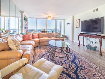 Photo for Shoreline Towers 3063-2BR☀XTRA 15%OFF Jul 27 to Aug 5!☀GULF Views- Steps2Beach!