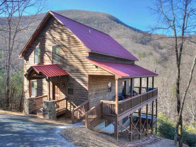 Dream Mountain Lodge- Mountain Views w/ Game Room.  Walk to Wine Vineyard