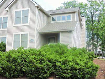 Photo for Just minutes to the Waterparks and slopes from this 3 bedroom townhome!!