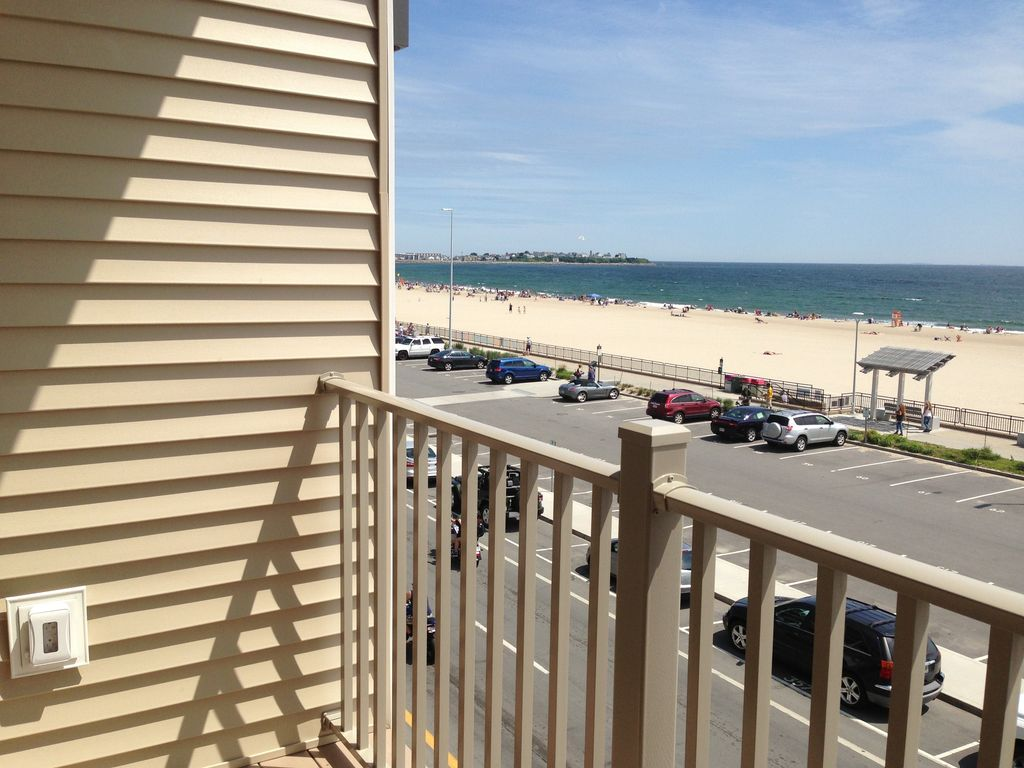 Beautiful ocean front, HAMPTON BEACH!! Book for 2018! Now accepting reservations, Hampton,New ...