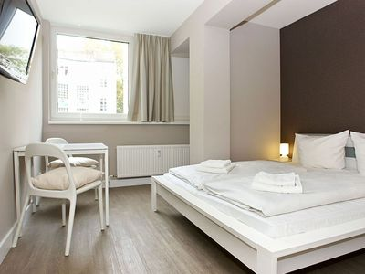 Photo for Cosy A 2.4 apartment in Kreuzberg with WiFi, shared terrace & lift.